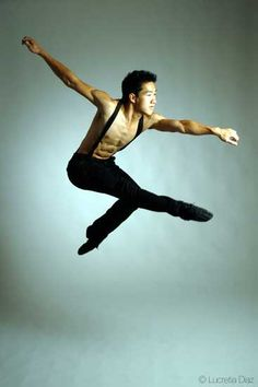 Alex Wong is a freaking amazing ballet dancer! But he could do it all, he and Twitch, who returned as an all-star, did the most amazing hip-hop number. Sadly he ripped his achilles tendon and had to withdraw for surgery, I am so hoping he tries out for the newest season.