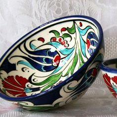 Voici les dernières nouveautés à découvrir sur la boutique : de jolis bols décorés à la main, au motif floral inspiré des céramiques d'Iznik. faîtes vous plaisir !