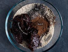 Ingredience na nepečené švestkovo-makové brownies