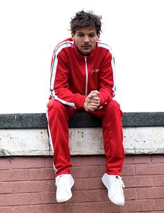 he makes me want to buy a kappa tracksuit Liam Payne, One Direction Louis, One Direction Pictures, Louis Tomlinsom, Louis And Harry, Nicole Scherzinger, Zayn Malik, Kappa Tracksuit, Foto One
