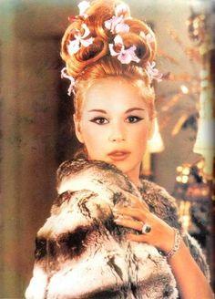 Net Photo: Aliki Vougiouklaki: Image ID: . Pic of Aliki Vougiouklaki - Latest Aliki Vougiouklaki Image. Vintage Hairstyles, Up Hairstyles, Hairdos, Updos, Hair Addiction, Art Of Seduction, She Movie, Bright Stars, Famous Women