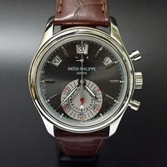 Patek Philippe 5960P. #patekphilippe #5960p #platinum #watchporn #watchmania #wristwatch #watchoftheday #timepiece #secondhand #instawatch #secondoriginalwatch #jamtanganseken #preownedwatch #luxurywatch