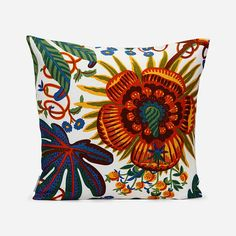 Svenskt Tenn's classic cushions are loved all over the world; from Stockholm to New York and Shanghai. This linen cushion has the Aralia print. - Cushion Aralia, 50x50 cm, Linen, Aralia, Josef Frank/Svenskt Tenn