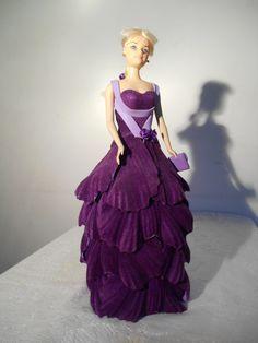 Boneca tipo Barbie em E.V.A - Festa