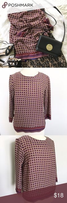   C y n t h i a  R o w l e y    Printed Blouse Top   C y n t h i a  R o w l e y    Printed Blouse Top   This gorgeous blouse is in excellent pre-owned condition. Scoop neck.   Size: S  100% Polyester Cynthia Rowley Tops Blouses