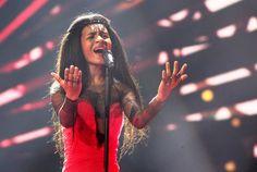 """Lettland - Aminata mit """"Love Injected"""" (KURIER/Franz Gruber) Mehr Bilder vom #ESC Finale finden Sie auf http://kurier.at/songcontest."""