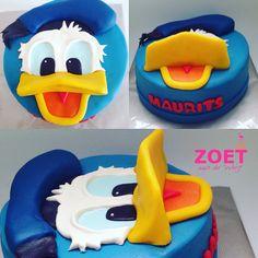 Donald Duck Cake, Cake Cookies, Cupcakes, Disney Cakes, Birthday Cakes, Cake Ideas, My Favorite Things, Donald Duck, Themed Cakes