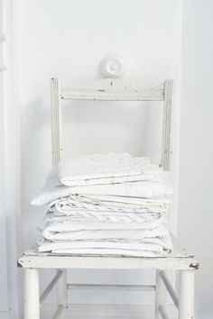 Resisiting starting another board, but if I do it will be for vintage linens-----