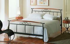 Sovrum med mormorskänsla  http://www.vallaste.se/sv/metalls%C3%A4ngar/448-pegaso-bed.html