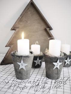 advent candle display with numbered tags