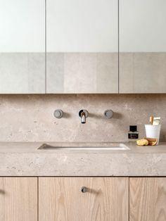 Luigi Rosselli Architects | Hill Top Cottage | limestone vanity and splashback | © Justin Alexander