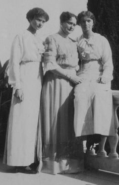 Grand Duchess Tatiana Romanov and Grand Duchess Olga Romanov with their mother, Alix
