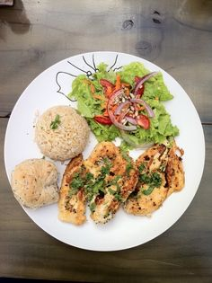 El Salvador - Yemaya Restaurant: for the travelling foodies: Grilled chicken marinated with dijon mustard, cilantro, lime and pepper, served with brown rice / suchitoto.tours @gmail.com