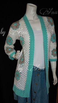 Crochet cardigan ★ african flower granny jacket ★ Häkeljacke  www.pinterest.com/Maschenraabe/selfmade-crochet/