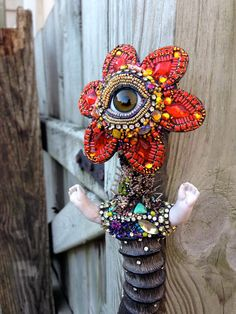 Eye Flower with Horn Beadwork by Betsy by betsyyoungquist on Etsy