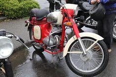 OldMotoDude: Jawa Twin Port on display at the 2019 Isle of Vash. Racing Motorcycles, Vintage Motorcycles, Japanese Motorcycle, Race Engines, Vash, Motorcycle Leather, Street Bikes, Dirt Bikes, Twins