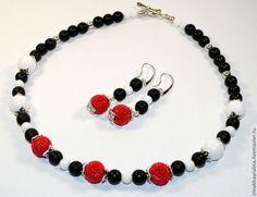 """Комплект """"Роза"""" - чёрно-белый,красный коралл,Красный цветок,коралл,коралловые бусы"""
