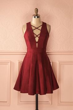 A-Line V-Neck Sleeveless Lace-Up Short Burgundy Satin Homecoming Dress TR0161