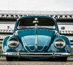 Vw Super Beetle, Beetle Bug, Vw Beetles, Old School Cars, Vw Cars, Vans, Cute Cars, Small Cars, Sexy Cars