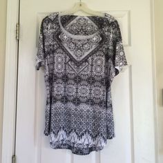 NWOT Styile & co Shirt Very cute and comfy NWOT Style & Co Tops