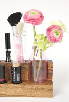 Kosmetikhalter mit Vase aus Holz // wooden cosmetic storage and vase via DaWanda.com
