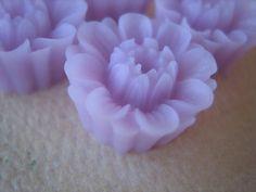4PCS  Daisy Buttercup Flower Cabochons  18mm  Pale by ZARDENIA, $2.40