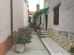 străzile din Dobrinj, insula Krk Marie, Sidewalk, Walkway, Pavement