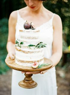 Lightly frosted: http://www.stylemepretty.com/destination-weddings/2015/04/09/rustic-italian-inspiration-shoot/ | Photography: Amanda Drost - http://www.amandadrost.com/
