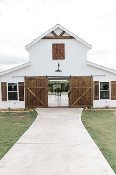 Congratulations to Mr. We adored their spring wedding with their family and friends at Five Oaks Farm in Texas. Their pastel blue derby inspired wedding had it all, love, f… Modern Barn, Modern Farmhouse, Barn Wedding Venue, Farm Wedding, Pole Barn Homes, Pole Barns, Pole Barn Shop, Pole Barn Garage, Barn House Plans
