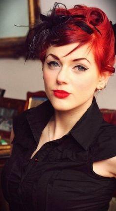 """A modelo pin-up ruiva Ivana """"Gretel Macabre"""" - Aristocrata"""