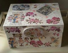 Topaz manualidades Madrid. Caja decorada en decoupage y stencil