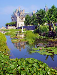 Italian Garden at #Biltmore House in Asheville NC. More Biltmore photos: www.romanticasheville.com/Biltmore.html
