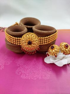 Antique Choker Sets @ Rs (Discounted Price) To Order WhatsApp on 7722081376 Last 6 pieces left Gold Bangles Design, Gold Earrings Designs, Gold Jewellery Design, Gold Wedding Jewelry, Gold Jewelry Simple, Gold Mangalsutra Designs, Body Jewelry