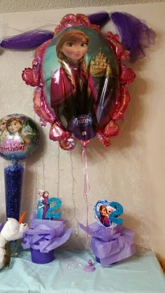 Frozen Party. Few baloons added to the fun