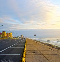 Galveston Island offers everything in a resort destination – beautiful accommodations, entertainment, shopping and 32 miles of Gulf Coast beaches. Galveston 's festivals, special events and attractions are enjoyable for Islanders and tourists alike.