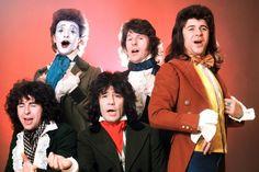 The Sensational Alex Harvey Band Birthed Queens of the Stone Age& Stoner-Robot Rock Alex Harvey, 70s Rock Bands, Stoner Rock, Best Rock, Black Kids, Motown, Classic Rock, Pop Music, Hard Rock