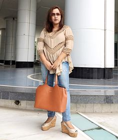 Tan & Taupe 🍂 Color Pop ✨ @coverstoryfsl . . .  #summerfashion #ootd #outfitoftheday #outfitinspo #styling #whatiwore #wiwt #streetstyle #styleblogger #lifestyleblogger #fashionblogger #fblogger #indian #mumbai #chennai #bangalore #gurgaon #delhi #fashion #streetfashion #streetphotography #instafashion #instastyle #instadaily #fashioninsta #ootdsubmit #lotd #streetstyleblogger #instaphoto #potd📷