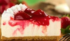 Try these super convenient no-bake Cheesecake Recipe. Watch how to make a quick-and-easy cheesecake that needs no baking! Cheesecake is one of our most popul. Köstliche Desserts, Sugar Free Desserts, Delicious Desserts, Yummy Food, Healthier Desserts, Healthy Snacks, Homemade Cheesecake, Keto Cheesecake, Strawberry Cheesecake