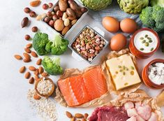 29 High Protein Foods for Rapid Weight Loss To help you stay healthy and strong, we've compiled a list of the best protein foods for Rapid weight loss that you can find at the grocery store. Best Protein, High Protein Recipes, Protein Foods, Healthy Foods To Eat, Healthy Snacks, Stay Healthy, Protein Cake, Protein Muffins, Protein Cookies