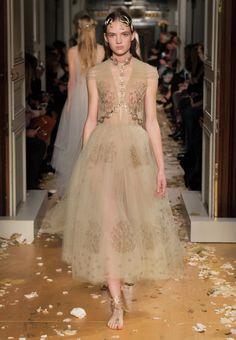 Valentino offizielle Homepage - Die Kollektion entdecken Für SieValentino. Die Modeschau, die Accessoires und vieles mehr sehen.