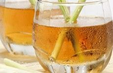 What can be better on a hot afternoon than a pitcher of iced tea. We love this recipe for Lemongrass iced tea from Robert Danhi's Easy Thai Cooking. Soap Making Process, Soap Making Kits, Soap Making Recipes, Soap Making Supplies, Lemongrass Tea, Iced Tea Recipes, How To Make Oil, Perfume Making, Tea Sandwiches
