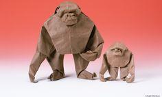 El arte de doblar papel se originó en China alrededor del siglo I o II d. C. y llegó a Japón en el s. VI.