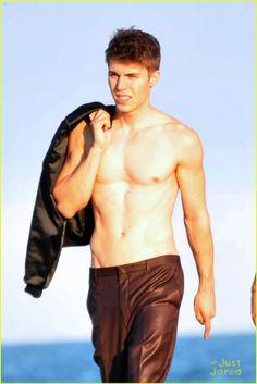 Nolan Gerard Funk: Shirtless Beach Stroll! | nolan gerard funk shirtless beach stroll 01 - Photo Gallery | Just Jared Jr.