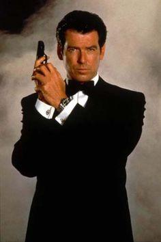 James Bond 007, Demain ne meurt jamais (1997) - Roger Spottiswoode •