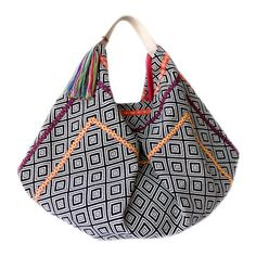 bluma project bags are fun and colorful. Hailing from all over the world - Mochilas / Peru, Guatemalan hand-woven bucket bags, Indian beach totes and more! Fabric Toys Diy, Fabric Bags, Felt Fabric, Wooden Handle Bag, Straw Crafts, Work Bags, Best Handbags, Love Sewing, Summer Bags