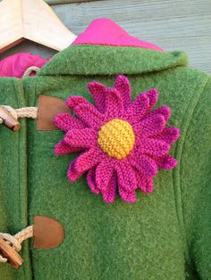 Ravelry: Knitted Daisy pattern by The Mercerie Daisy Pattern, Flower Center, Garter Stitch, Easy Projects, Brooch Pin, Merino Wool, Ravelry, Things To Think About, Colours