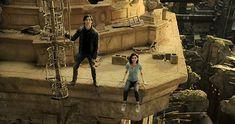 Rosa Salazar and Keean Johnson in Alita: Battle Angel Hindi Movies, Disney Pixar, Keean Johnson, Alita Movie, Angel Movie, Mahershala Ali, Angel Artwork, Battle Angel Alita, Christoph Waltz