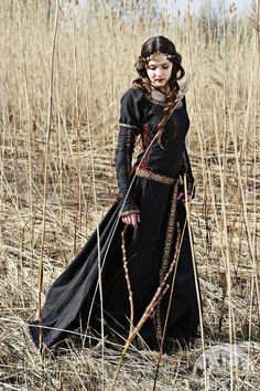 Etsy の 20% DISCOUNT Black Medieval Dress Lady Hunter by armstreet
