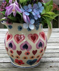 Emma Bridgewater Pink Hearts & Flowers 1.5 Pint Jug.......