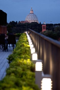 hotel garden night - Cerca con Google
